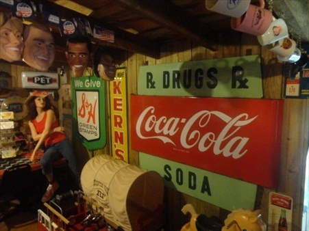A Tennessee collection of Country Store, Pedal items, Coke, Coin op, Toys and Tractors, and much more - 15119.jpg