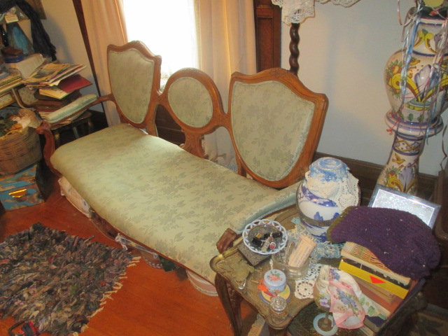 Large Antiques Living Estate Auction, Bristol TN - IMG_1043.JPG