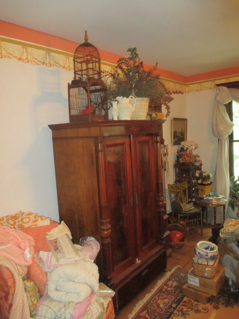 Large Antiques Living Estate Auction, Bristol TN - IMG_1055.JPG