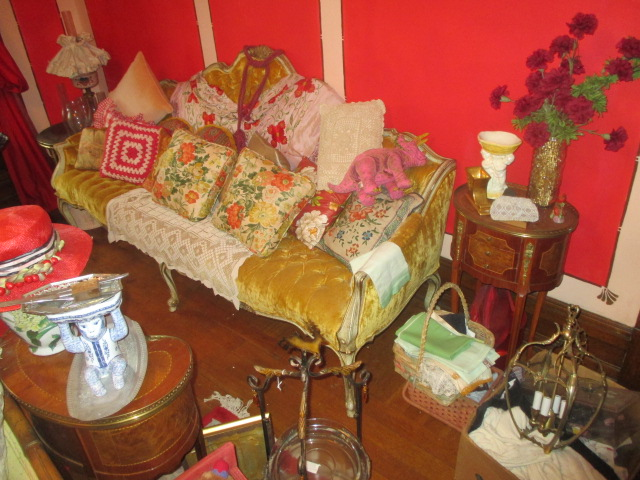 Large Antiques Living Estate Auction, Bristol TN - IMG_1060.JPG