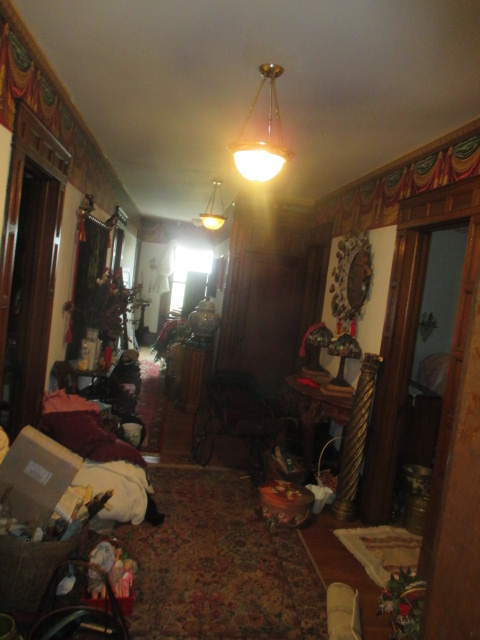 Large Antiques Living Estate Auction, Bristol TN - IMG_1084.JPG