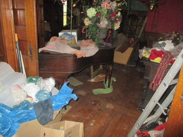Large Antiques Living Estate Auction, Bristol TN - IMG_1104.JPG