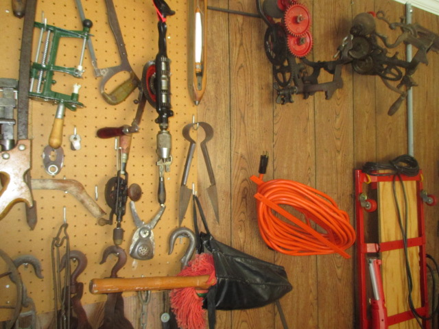 John Cole Estate Auction-Tools. Knives, Toys, Trains, Guns and More Elizabethton - IMG_2560.JPG