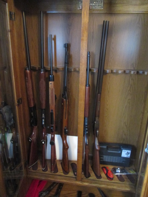 John Cole Estate Auction-Tools. Knives, Toys, Trains, Guns and More Elizabethton - IMG_2945.JPG
