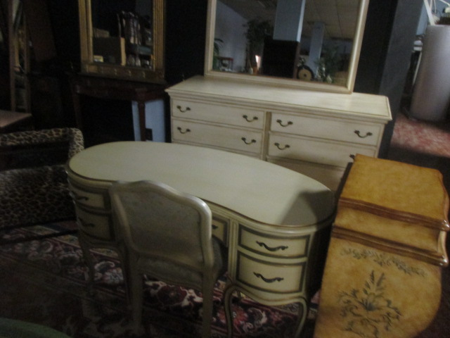 Labor Day Monday Auction 10:30 am September 1st - IMG_2816.JPG