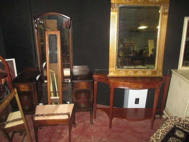 Labor Day Monday Auction 10:30 am September 1st - IMG_2818.JPG