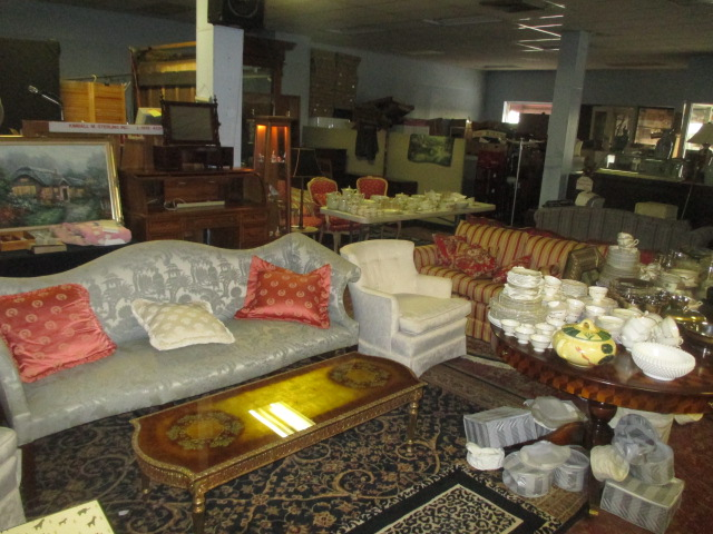 Labor Day Monday Auction 10:30 am September 1st - IMG_2828.JPG