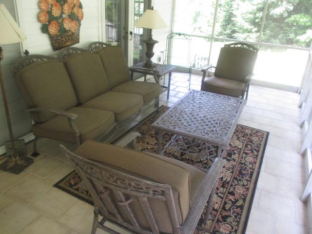 Living Estate Jonesborough Tennessee - IMG_3067.JPG