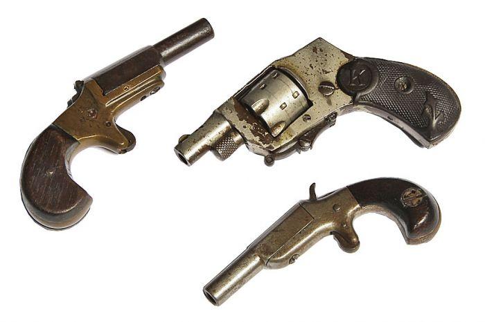 A Philadelphia Antique Curiosity Gun , Sword, and Cane Curiosa  Collection Estate Auction  - 8_1.jpg