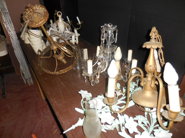 Thanksgiving Saturday Estate Auction and More - DSCN0531.JPG