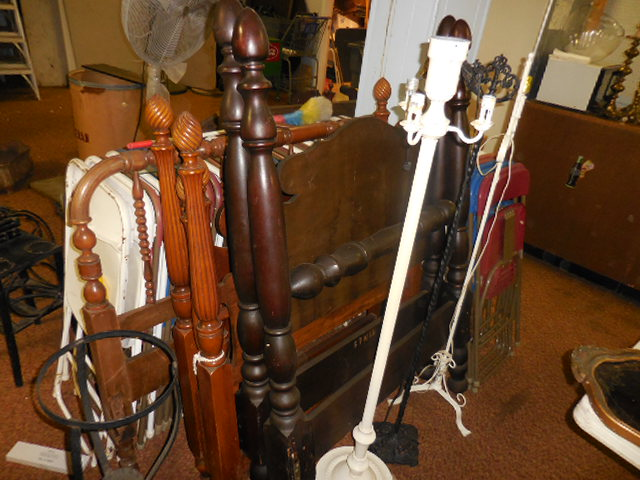 Thanksgiving Saturday Estate Auction and More - DSCN0537.JPG