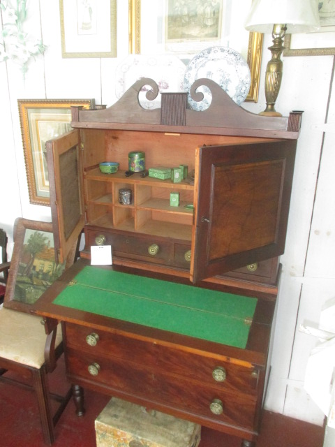 Thanksgiving Saturday Estate Auction and More - IMG_3098.JPG
