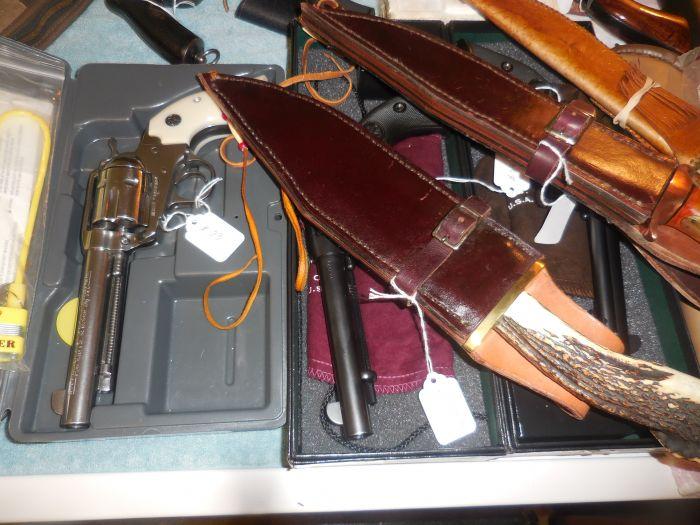 Roy Carter Estate Auction- Fine pistols, Long Guns, Custom Knives, Ammo and more - DSCN2456.JPG