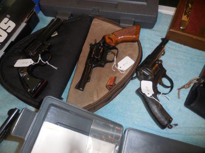 Roy Carter Estate Auction- Fine pistols, Long Guns, Custom Knives, Ammo and more - DSCN2457.JPG