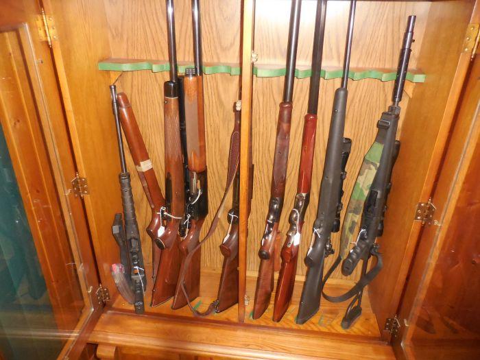 Roy Carter Estate Auction- Fine pistols, Long Guns, Custom Knives, Ammo and more - DSCN2461.JPG