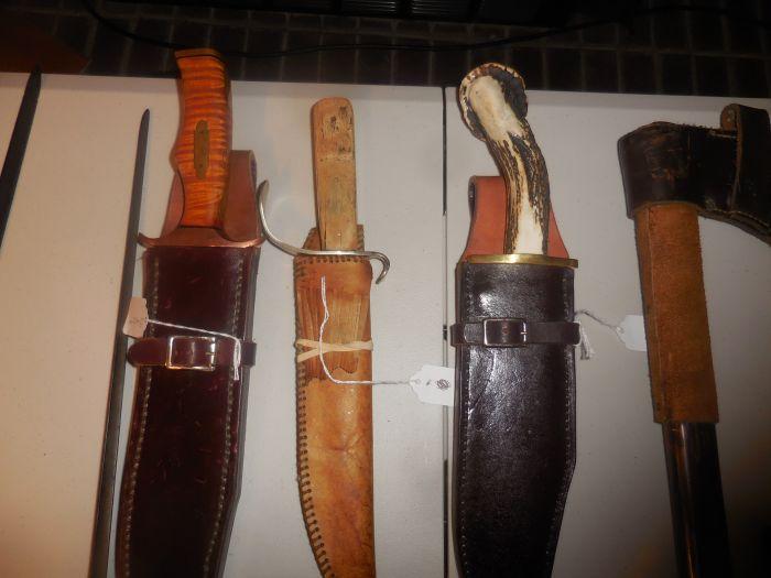 Roy Carter Estate Auction- Fine pistols, Long Guns, Custom Knives, Ammo and more - DSCN2578.JPG