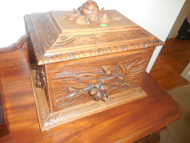 Colonel Frank and Dr. Ginger Rutherford Estate- Antiques, Clocks, Upscale Furnishing - DSCN4997.JPG