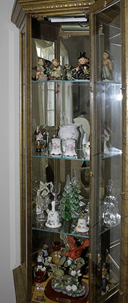 Colonel Frank and Dr. Ginger Rutherford Estate- Antiques, Clocks, Upscale Furnishing - JP_3004_LO.jpg