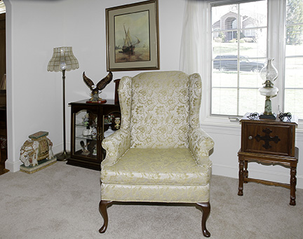 Colonel Frank and Dr. Ginger Rutherford Estate- Antiques, Clocks, Upscale Furnishing - JP_3022_LO.jpg