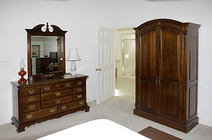 Colonel Frank and Dr. Ginger Rutherford Estate- Antiques, Clocks, Upscale Furnishing - JP_3032_LO.jpg