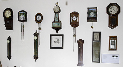 Colonel Frank and Dr. Ginger Rutherford Estate- Antiques, Clocks, Upscale Furnishing - JP_3062_LO.jpg