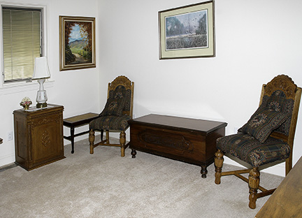 Colonel Frank and Dr. Ginger Rutherford Estate- Antiques, Clocks, Upscale Furnishing - JP_3069_LO.jpg