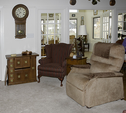 Colonel Frank and Dr. Ginger Rutherford Estate- Antiques, Clocks, Upscale Furnishing - JP_3072_LO.jpg
