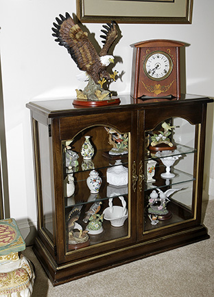 Colonel Frank and Dr. Ginger Rutherford Estate- Antiques, Clocks, Upscale Furnishing - JP_3076_LO.jpg