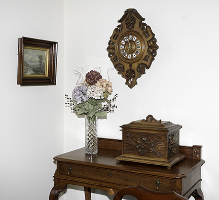 Colonel Frank and Dr. Ginger Rutherford Estate- Antiques, Clocks, Upscale Furnishing - JP_3077_LO.jpg