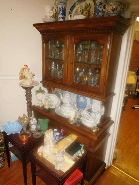 Labor Day Monday Estates- Dont Miss this auction- Unbelievable  - DSCN0410.JPG