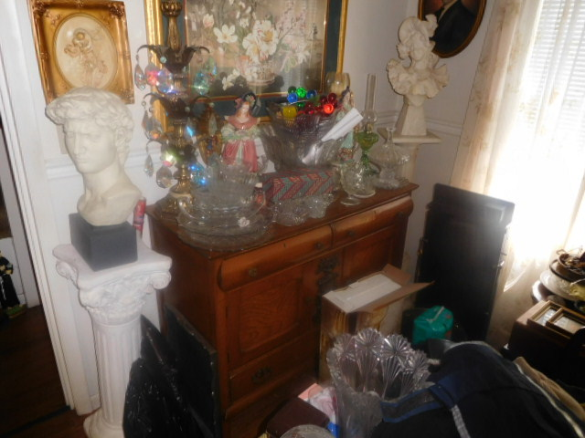 Labor Day Monday Estates- Dont Miss this auction- Unbelievable  - DSCN0418.JPG