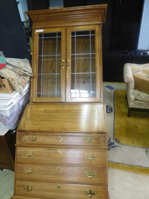 Antique and Estates Auction - DSCN1126.JPG
