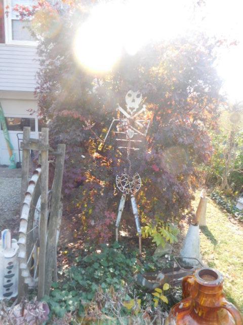 Yard Art, Stones, Carving,Vessels, Whirligigs, Folk Art from the Estate Of Mark King - DSCN1295.JPG
