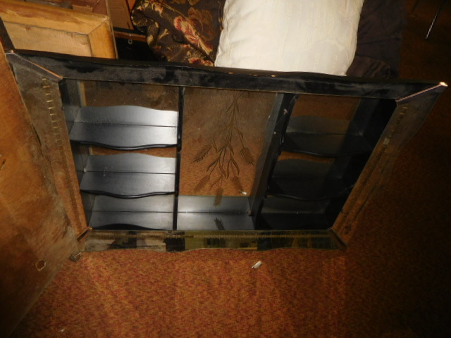 Estate Auction with some cool items - DSCN1922.JPG