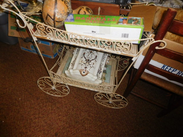 Estate Auction with some cool items - DSCN1943.JPG