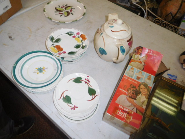 Estate Auction with some cool items - DSCN1963.JPG