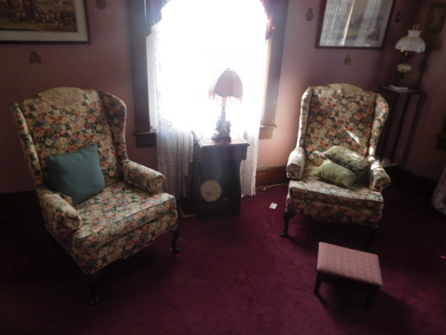 Living Estate Auction Jonesborough Tn. Real Estate and Antiques - DSCN1411.JPG