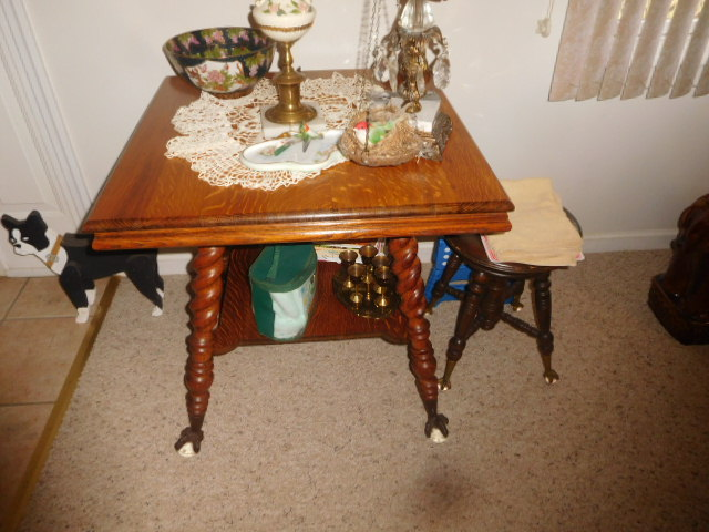 Lillian Yount Living Estate Auction- Antiques -Household and Real Estate - DSCN1746.JPG