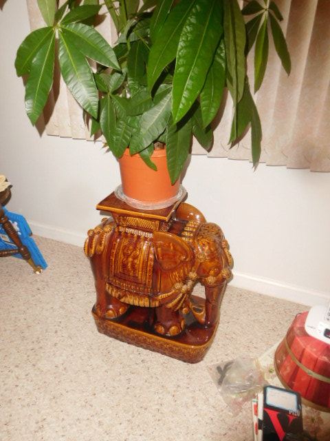 Lillian Yount Living Estate Auction- Antiques -Household and Real Estate - DSCN1748.JPG