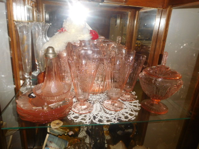 Lillian Yount Living Estate Auction- Antiques -Household and Real Estate - DSCN1755.JPG