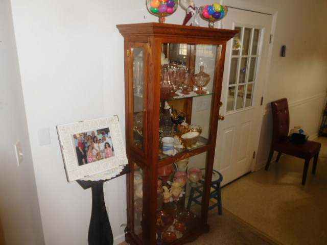 Lillian Yount Living Estate Auction- Antiques -Household and Real Estate - DSCN1758.JPG