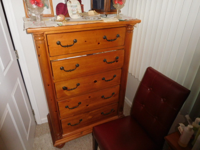 Lillian Yount Living Estate Auction- Antiques -Household and Real Estate - DSCN1769.JPG