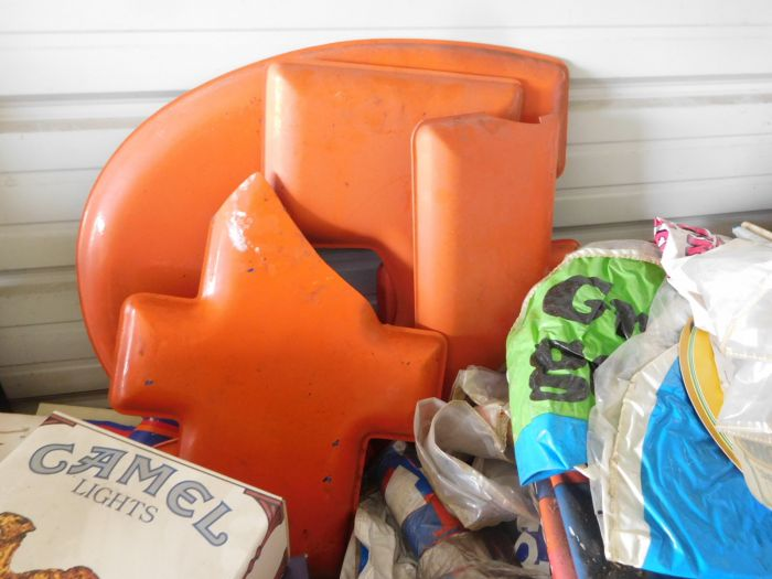 Gasoline, Service Station, Tools, Products, Scrap, Pumps, and Much more from the Warehouse of Kyle Shell  - DSCN2500.JPG