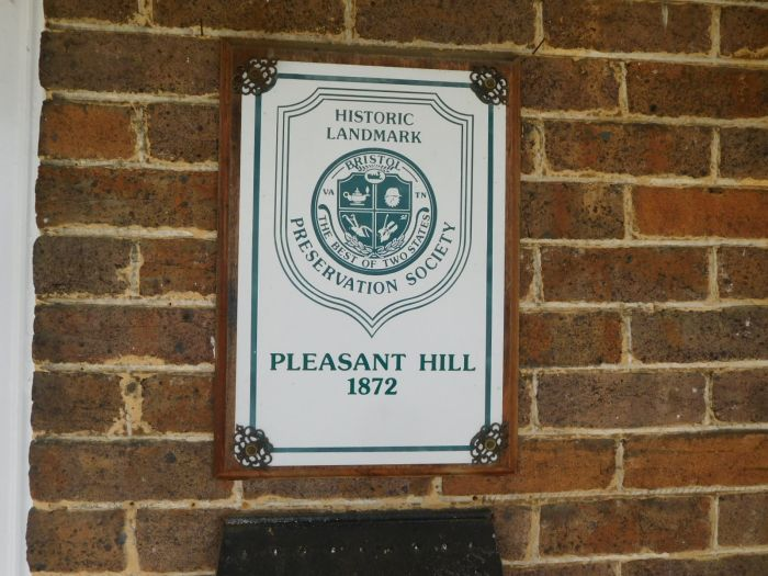 Pleasant Hill Bristol Va. and its Contents - DSCN2702.JPG