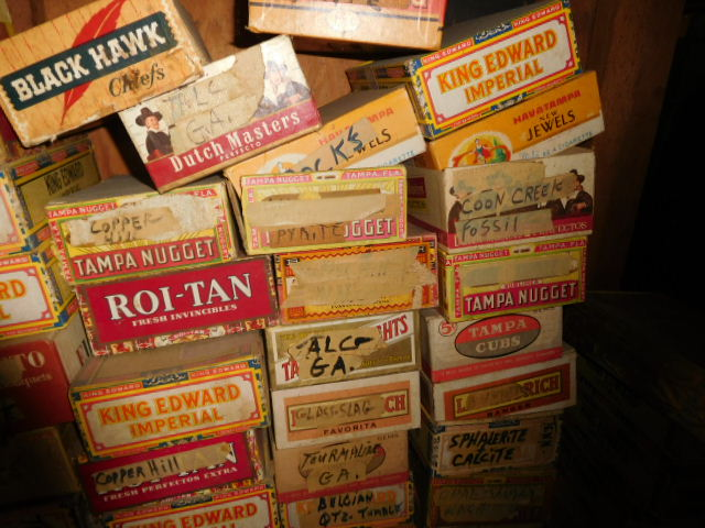 Reuben and Ruth Russell Estates Auction- Antiques-Real Estate- Rock Collection - DSCN3814.JPG