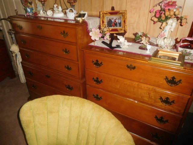 CHRISTINE OWEN   Estate Auction  Johnson City - DSCN4800.JPG