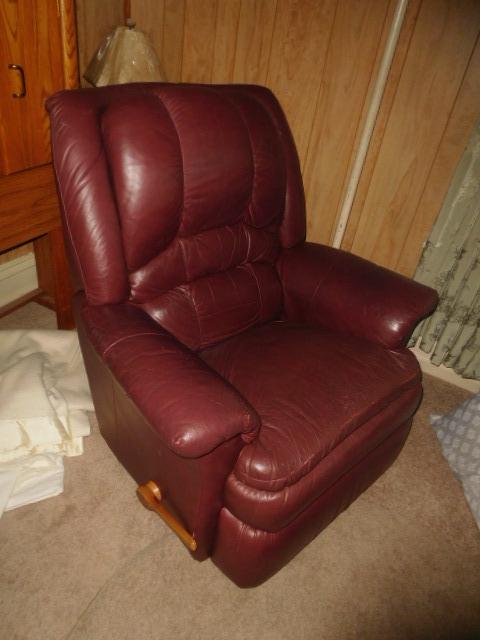 CHRISTINE OWEN   Estate Auction  Johnson City - DSCN4803.JPG