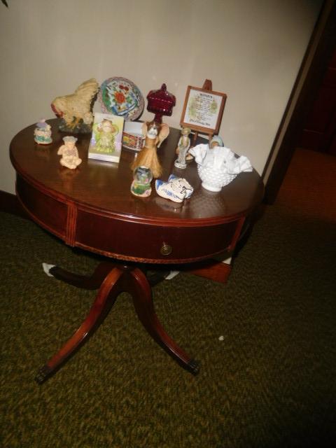 CHRISTINE OWEN   Estate Auction  Johnson City - DSCN4809.JPG