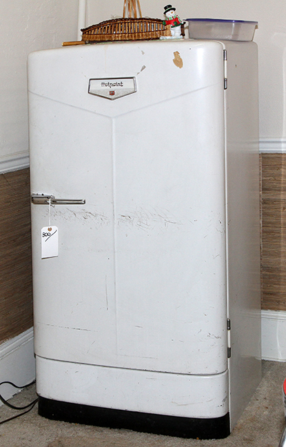 Masengills Specialty Clothing Store- A 100 year old East Tennessee Upscale Department Store - 300_1.jpg