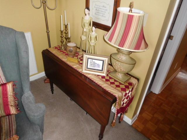 Bob Settle Estate and Regina Settle Living Estate Auction - DSCN5544.JPG